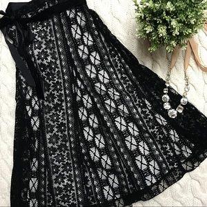 Dresses & Skirts - Black Lace Full-Skirt